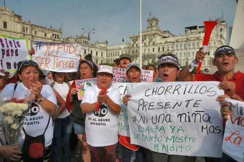 Mercedes Aráoz rompió en llanto al reunirse con los padres de Jimena